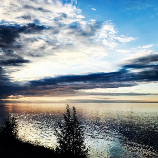 Good Morning from Lake Superior! duluth minnesota lakesuperior grandmasmarathon sunrisehellip