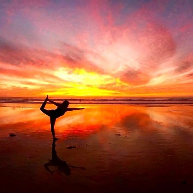 Magical sunset in Encinitas yogini yoga soulofyoga Continue reading rarr